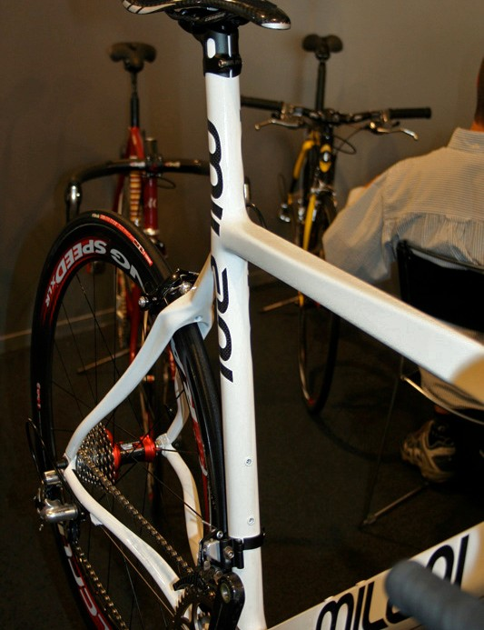 The N107E has an extended seat tube and is assembled using cabon wrapping techniques.
