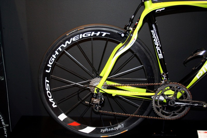 Pinarello is now working with Lightweight and now has Most-branded Lightweight wheels.
