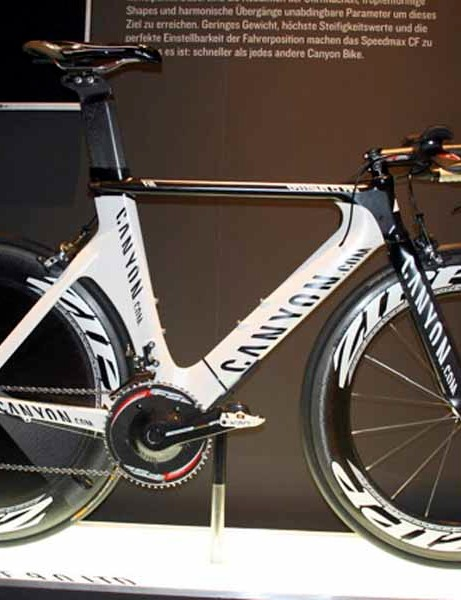 The Canyon Speedmax CF PRO will be Cadel Evans' new time trial weapon as he hopes to go one better in next years's Tour.