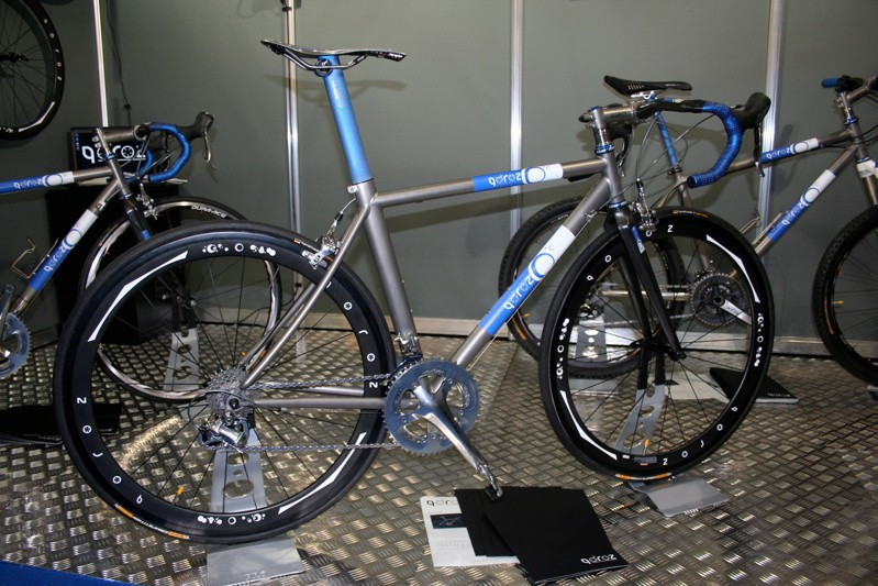 The Qoroz Race Won is the new company's full-on titanium racing frame.