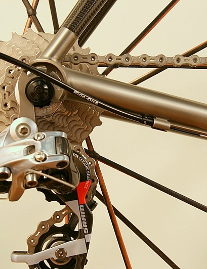 Titanium chainstay meets a carbon seatstay
