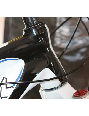 Trek E2 headset: 1 1/8in  at the top, flaring to 1 1/2in at the bottom.