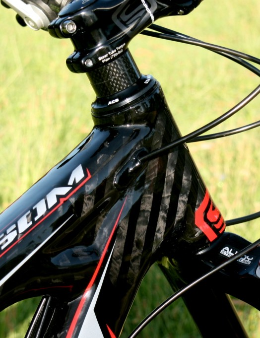 Internal cable routing looks good, but may give long-term maintenance niggles