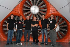 The main players in the test: Jason (Cafe:ine), Mark Cote (Specialized aerodynamicist), Nathan O'Neill (test rider), Mike Giraud (A2 wind tunnel), Dave Salazar (A2 wind tunnel) and Nic Sims (Specialized global PR manager)