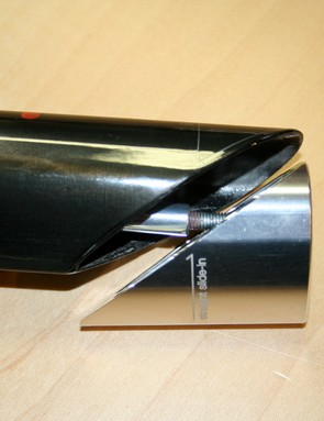 An internal wedge fixes the Streampost 73.5 within the seat tube.