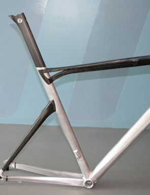 The SLX01 Racemaster is constructed from an 'aluminium