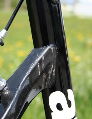 The carbon fibre seat stays are bonded to the aero-shaped seat tube considerably lower than the top tube.