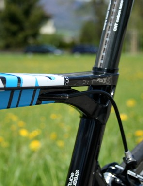 BMC says that splitting the top tube at the seat tube helps to distribute transmitted forces for a better ride quality.