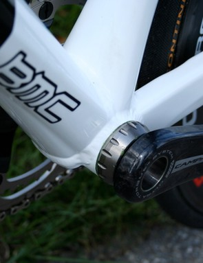 Both the down tube and seat tube take full advantage of the bottom bracket shell width.
