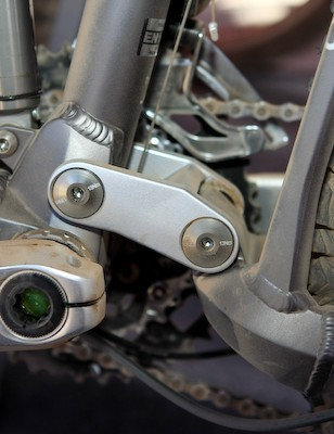 Revised linkage geometries have allowed BMC to cut chain stay length by a substantial 17mm from last year.