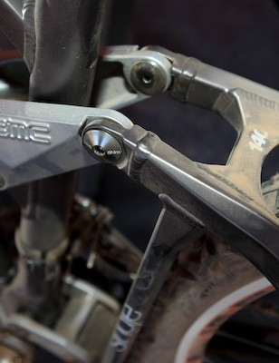 A tidy welded crossmember on the seat stay assembly keeps thing tight out back and there's now more tire clearance than before.