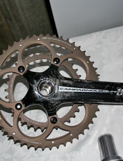 The 11-Speed Campagnolo carbon chainset looks very similar to the existing 10-speed, but the crank arms are hollow and bearings are ceramic on Record and Super Record.