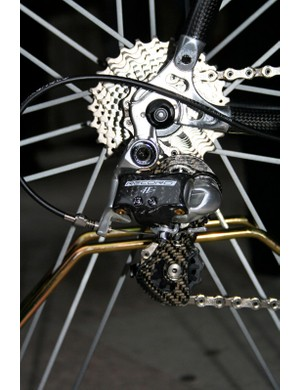 The Record 11-Speed rear derailleur is - like the existing 10-speed version - a mix of carbon fibre and polished aluminium.