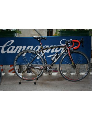 A Specialized Tarmac SL2 sits resplendent with its Super Record groupset.