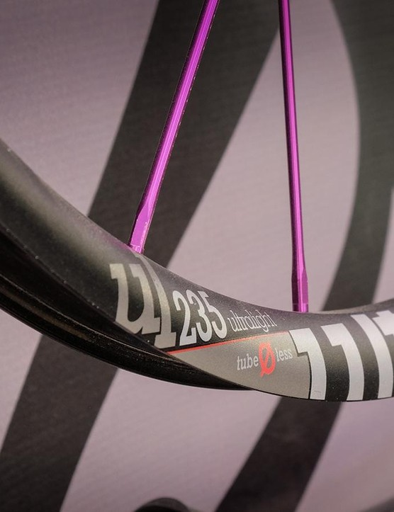 Industry Nine's cross-country race wheelset gets wider for 2016. The new UL235 rims have an internal width of 23.5mm