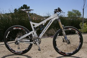Intense's versatile new frame can be built up light or burly.
