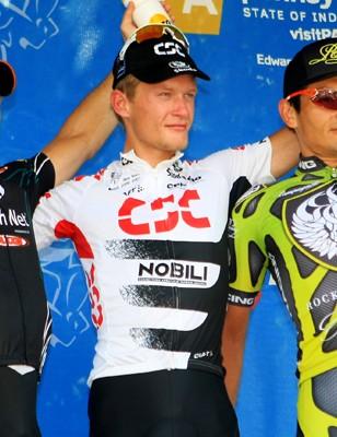 Men's podium: Kirk O'Bee, Breschel (C), and Fred Rodriquez.
