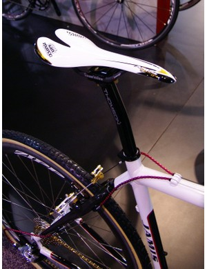 The Selle San Marco Superleggera saddle on the Jamis show special is undoubtedly light but we're not sure we'd like to jump on it during a 'cross race.