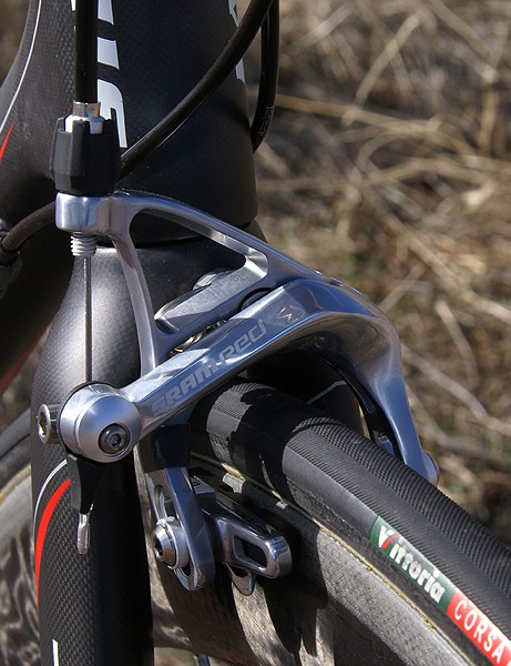 SRAM Red brake callipers give excellent stopping power and modulation, especially with Zipp pads
