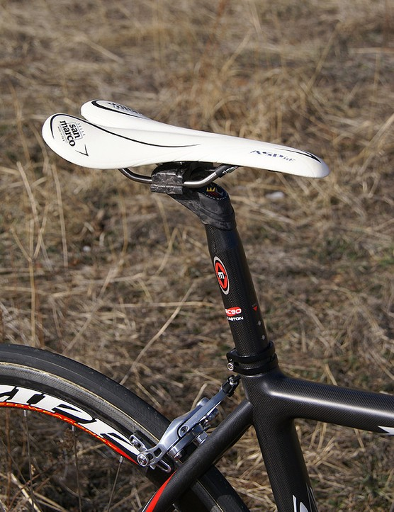 The Selle San Marco Aspide saddle was comfy but the Easton EC90 seatpost was a bit disappointing