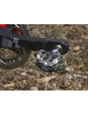 Parbo says he knows that he could save a lot of weight by swapping to a different set of pedals but is unwilling to forego the superior function of his current Shimano XTRs