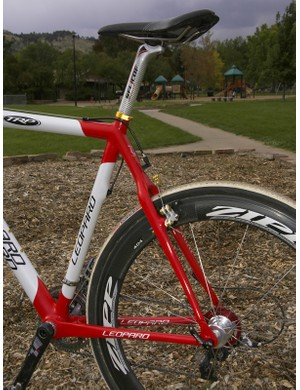More clean lines are found at the rear end with the wishbone-style seatstays