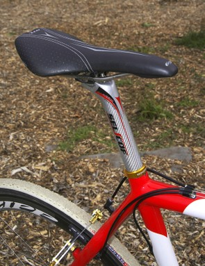 The surprisingly cushy BBB UltraBase DTL saddle provides Parbo with a soft landing when remounting the bike