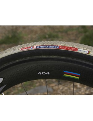 Parbo was using Challenge's fast rolling Grifo XS tubulars when we caught up with him during his brief stay in Boulder, Colorado
