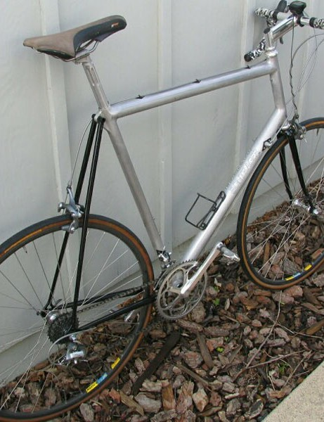 An aluminium and steel road frame