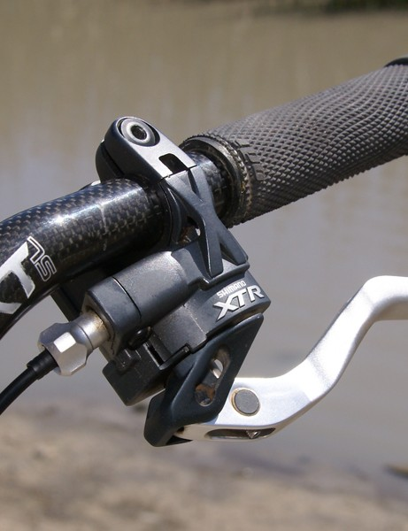 Emmett prefers Shimano's Dual Control levers over the more conventional Rapidfire trigger shifters.