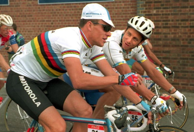 Armstrong and LeMond chatting during the 1994 Tour de France