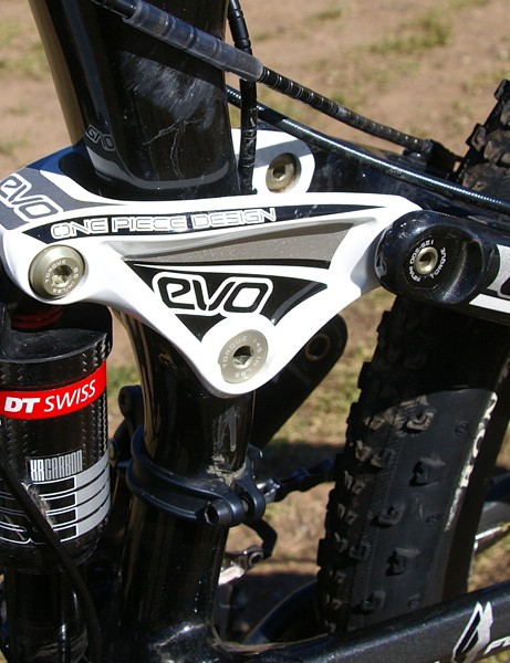 The new one-piece EVO Link works to keep everything tied together out back.