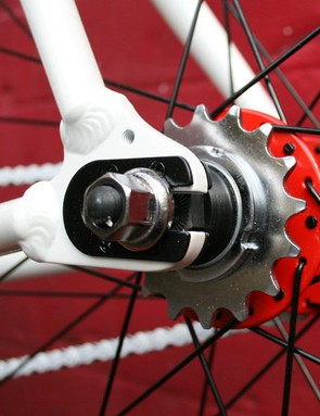 Freewheel and fixed sprocket as standard