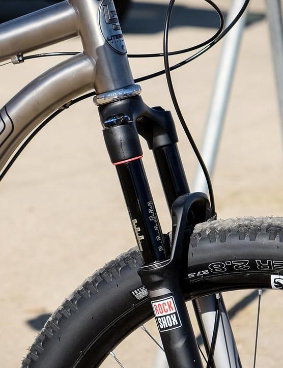 The Pinhoti SL is designed around 100-120mm suspension forks