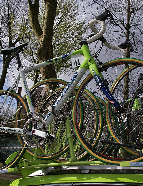 Pozzato's secondary bike was rather similar to the main rig.