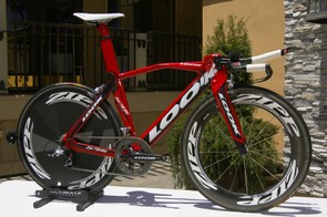 Look's new 596 frame bucks some current trends but still looks fast standing still.