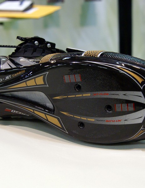 The new Exo-Jet Carbon sole is apparently the stiffest one Louis Garneau has ever offered.