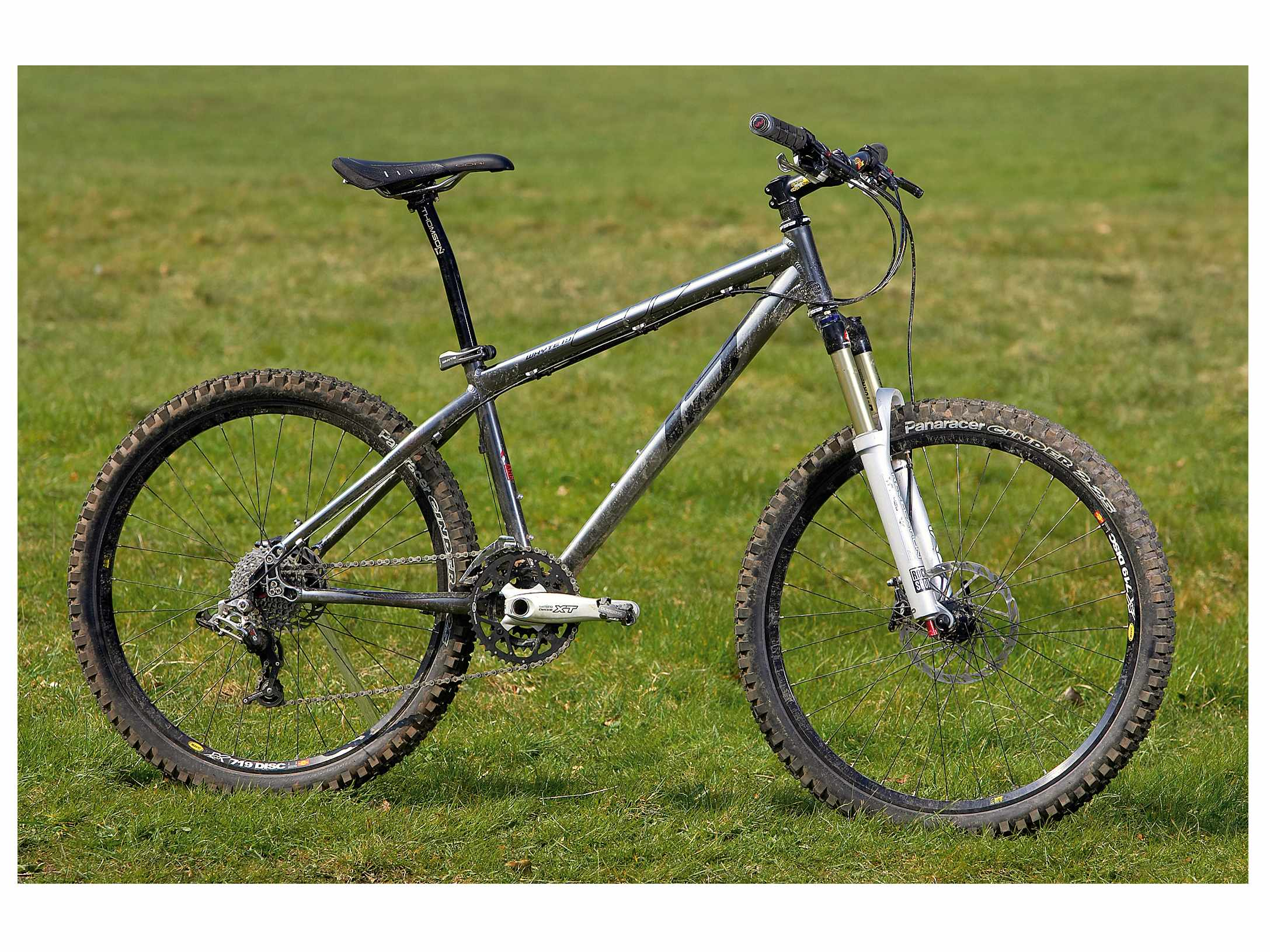 Light and ultra responsive race-bred trail bike