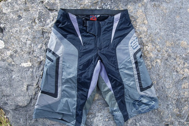 Versatile and very comfy – great value DH/XC shorts