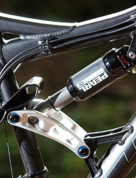 Rock Shox Pearl shock gives 150mm of travel