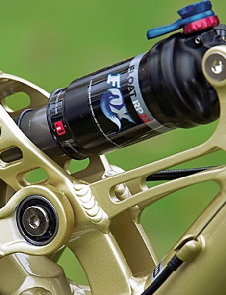 Fox RP23 shock is a very welcome sight on a bike at this price