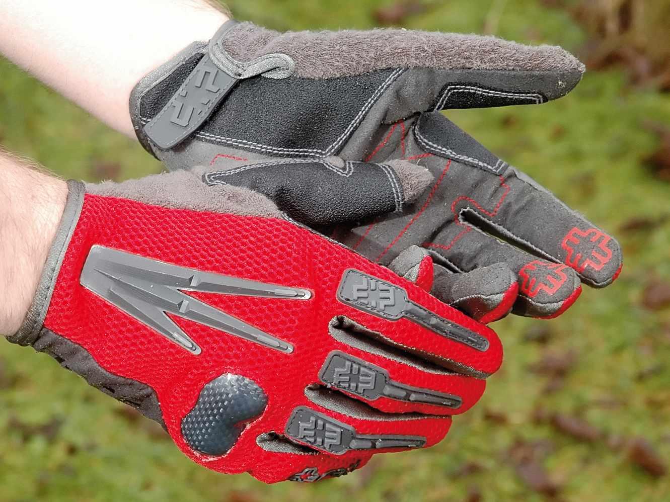 Mace Assault Glove