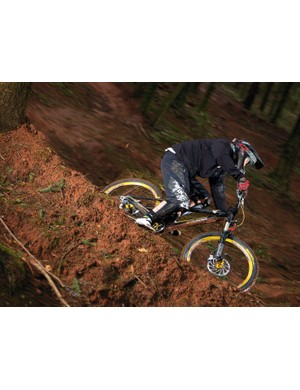 The Iron Horse Sunday Elite displays awesome handling and traction from its DW-link back end.