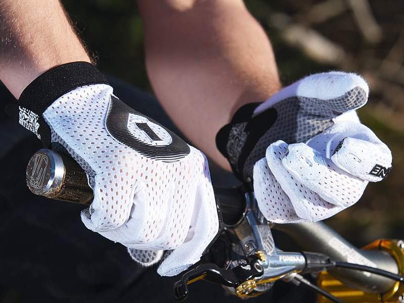 661 Raji Gloves