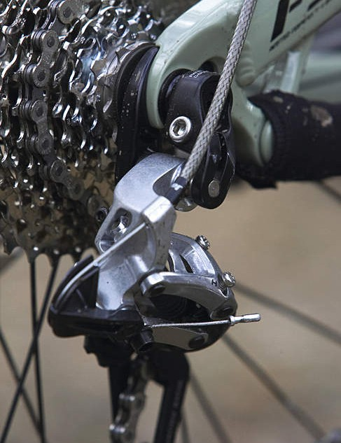 Handy gear protector wards off rear mech harm
