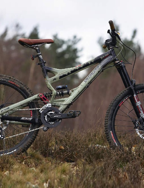 Specialized SX Trail 1: no-messing trail eater. Still one of thebest in  its class.