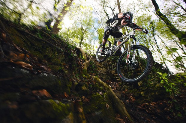 Commencal Meta 6 melds cross-country weight with long-travel fun