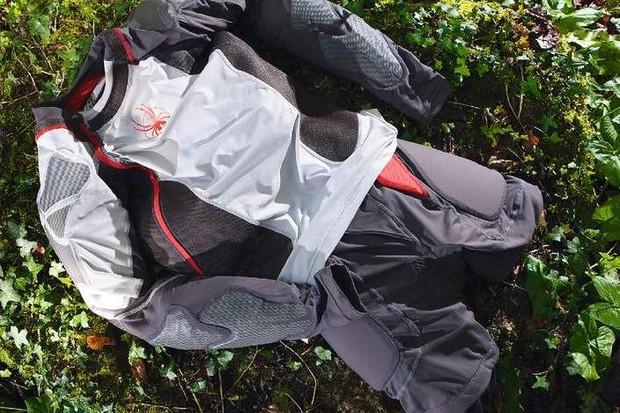 Spyder Freeryde Jersey & Shorts