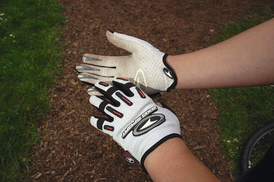 Axo Kicker Gloves
