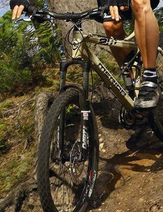 A hard-hitting middleweight 130mm travel trail bike